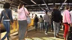 Passageiros denunciam que ambulantes ajudam assaltantes em terminais de ônibus, em Goiânia