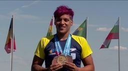 Ana Marcela Cunha se torna tri campeã mundial na Maratona Aquática