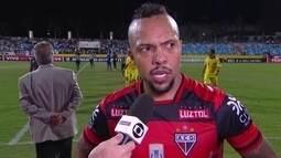 Paulinho lamenta chances perdidas do Atlético-GO contra o Botafogo