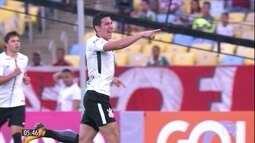 Corinthians vence e aumenta distância do Grêmio no Brasileirão