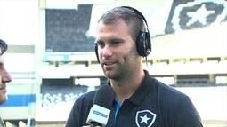 """Joel Carli diz que Botafogo está com """"fome de título"""""""