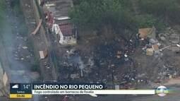 Fogo é controlado em favela no Rio Pequeno