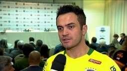 Falcão volta atrás em decisão de se aposentar da seleção brasileira de futsal