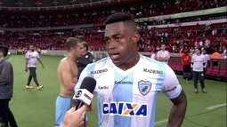 Gustavo Geladeira lamenta gols tomados pela defesa do Londrina