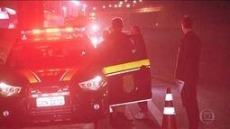 Comerciante tenta impedir ação de ladrões e acaba atropelado na rodovia Fernão Dias