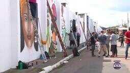 Muro de cemitério em Esteio recebe revitalização com arte de rua