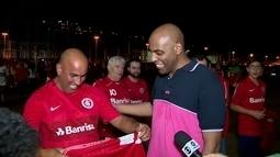 Torcedor volta ao Beira-Rio após longa ausência e vê Inter retornar à liderança da série B