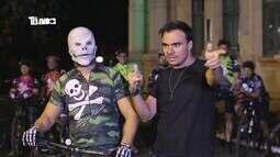 Tô Indo conta história de grupo de ciclistas que usam máscara de caveiras