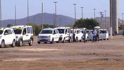 Taxistas manifestam em Cabo Frio, RJ, e pedem aprovação de lei que regulamenta aplicativos