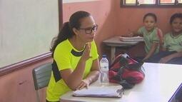 Domingo (15) é dia do professor e categoria discute os desafios diários nas escolas