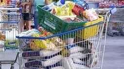 Pesquisar preços em diferentes supermercados pode gerar economia de até R$ 3 mil por ano