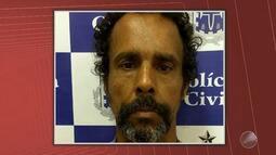 Homem acusado de matar mãe adotia e ferir irmã é preso