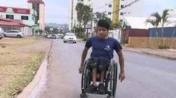 Moradores de Águas Claras reclamam da falta de calçadas na região