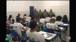 Grupamento escolar realiza policiamento para inibir violência em escolas de Floriano