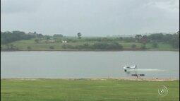 Vídeo flagra manobras arriscadas e perto de casa antes de aeronave cair em represa