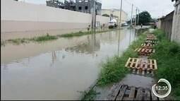 Chuva também causou transtorno aos moradores do Água Quente