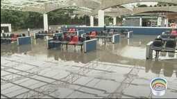 Chuva causou transtornos na rodoviária Nova em Taubaté