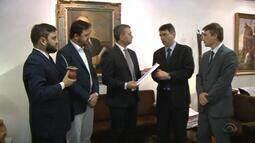 Governo pretende pagar 13º do funcionalismo por empréstimo bancário