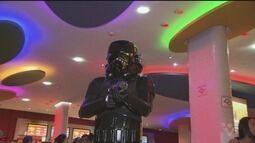 Novo filme da saga Star Wars estréia nos cinemas da região