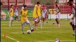 Conversa entre técnico e jogadores marca atividade do Guarani-MG