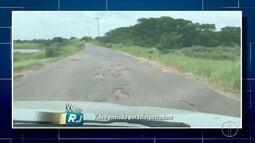 Imagens mostram péssimas condições da estrada que liga Farol à Barra do Furado