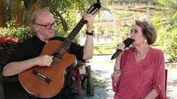 Dóris Monteiro faz show em homenagem à bossa nova no Beco das Garrafas, em Copacabana