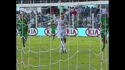 Em 2010, Neymar faz cinco gols contra o Guarani pela Copa do Brasil