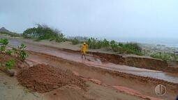 Chuva abre cratera em marginal de rodovia no RN