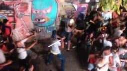 Foliões brigam durante passagem do bloco de Daniela Mercury em SP