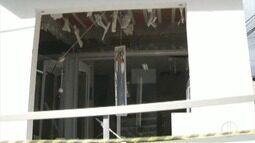Criminosos explodem caixas eletrônicos de banco em Belo Oriente