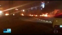 Protesto por iluminação pública fecha rodovia PE-05, no Recife