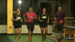 Atletas se preparam para a corrida Rosa Shock em São Luís