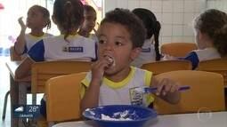Unidades de ensino têm responsabilidade de fornecer alimentação balanceada a crianças