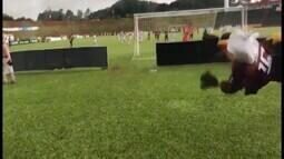 Mascote do Patrocinense faz linda defesa em jogo contra Villa pela elite do Mineiro