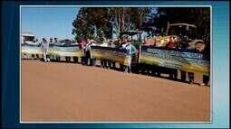 Produtores rurais fazem manifestação em apoio à greve de caminhoneiros em Perdizes