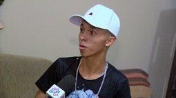 "Jonas Almeida entrevistou o Mc Pupio que gravou o hit ""Din Din Din"" com a Ludmilla"
