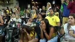 Torcedores se reúnem em bares do Sul do Rio para assistir a estreia do Brasil na Copa