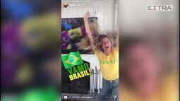Gisele Bündchen vibra com gols do Brasil