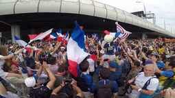 Pedrovsky na Rússia: Pedro Canísio mostra a festa da torcida na final da Copa do Mundo