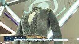 Figurinos de novelas da Globo estão em exposição no Itaú Power Shopping, em Contagem