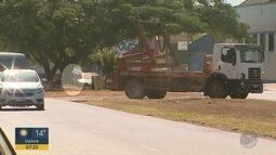 Motoristas usam canteiro central de avenida como travessia em Ribeirão Preto