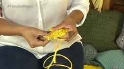 Técnica do crochê vira objetos de decoração e peças de moda