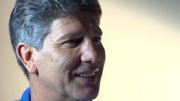 Movido a títulos, Renato faz dois anos no Grêmio, revela choro e ambição