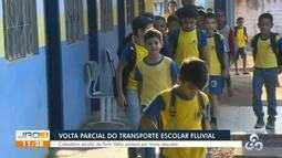 Volta parcial do transporte escolar fluvial