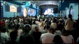 Católicos realizam homenagem a Nossa Senhora Aparecida em Divinópolis