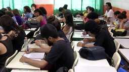 Estudantes do Alto Tietê aproveitam feriado prolongado para estudar ao Enem
