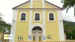 Fiéis lamentam vandalismo em igreja de Nova Friburgo, no RJ
