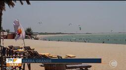 Praia de Barra Grande recebe grande número de turistas e fica lotada no feriadão