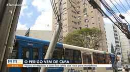 Perigo: fios caídos e postes tortos oferecem riscos à população de Salvador