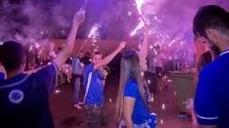 Cruzeirenses e corintianos vão aos bares do DF para torcer na final da Copa do Brasil